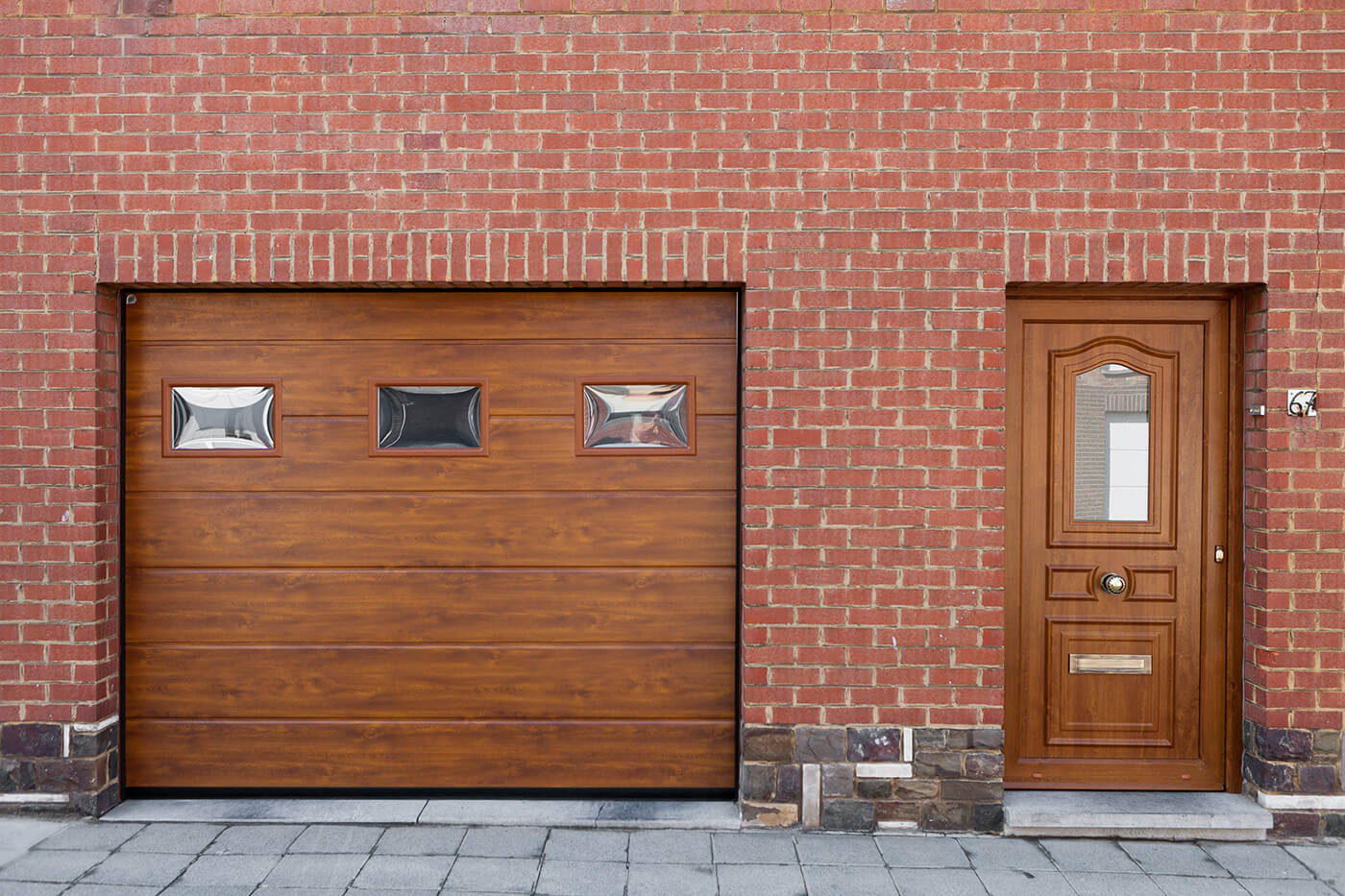 Made-to-measure sectional garage door - Raposo Charleroi, Image n°2