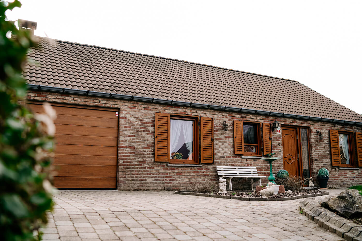 Made-to-measure sectional garage door - Raposo Charleroi, Image n°3