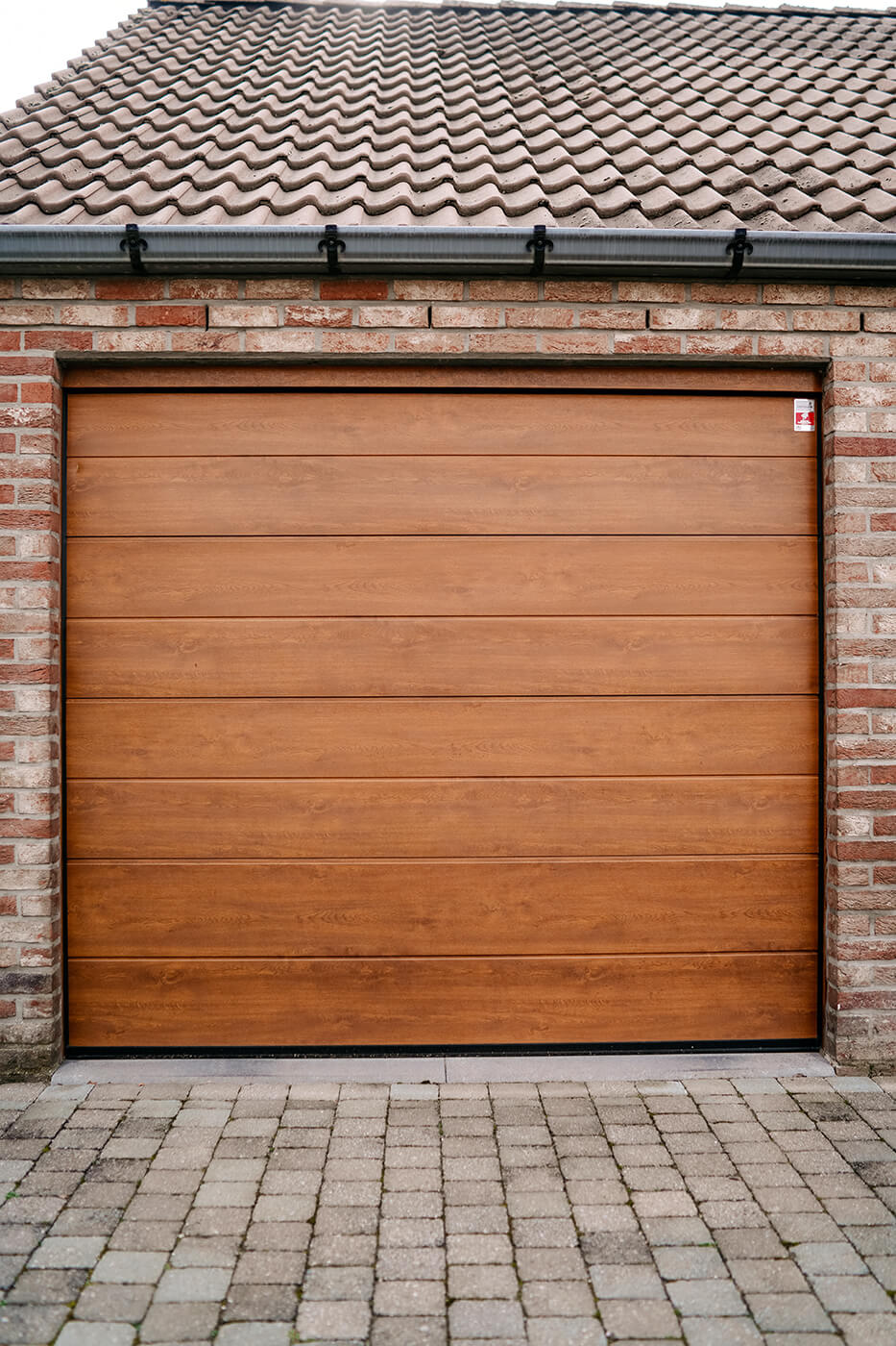 Made-to-measure sectional garage door - Raposo Charleroi, Image n°4