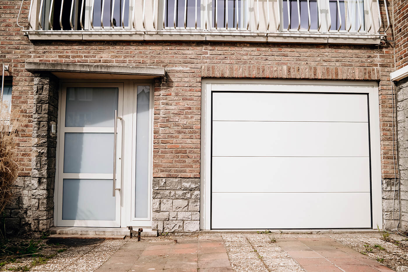 Made-to-measure sectional garage door - Raposo Charleroi, Image n°5